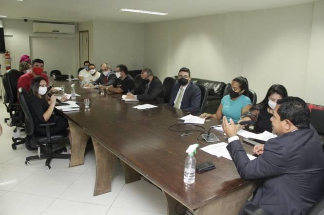 Comissão de Direitos Humanos e Defesa do Consumidor da Alepa se reúne com comitê de LGBTIfobia